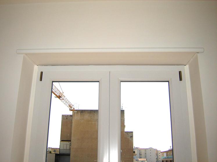 I cassonetti a scomparsa per l'allogiamento dell'avvolgibile e i telai per vano finestra prodotti dalla emmebi srl sono un'ottima soluzione. Cassonetto A Scomparsa 1 Celi Serramenti