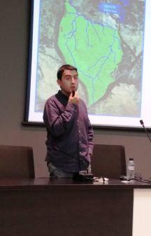 Roberto Quintilla en un momento de la conferencia «El antes y el después de San Salvador. La gestión del agua»