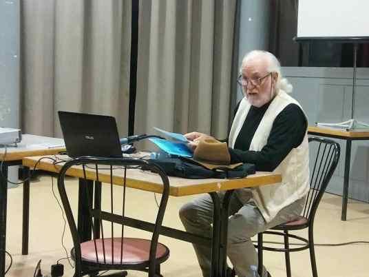 Eugenio Monesma durante la conferencia «El aprovechamiento del esparto y otras fibras vegetales» (foto Víctor Bayona)