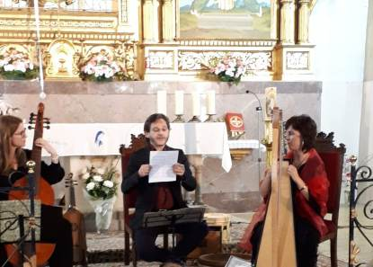 Concierto del grupo L'Incantari en Tamarite de Litera