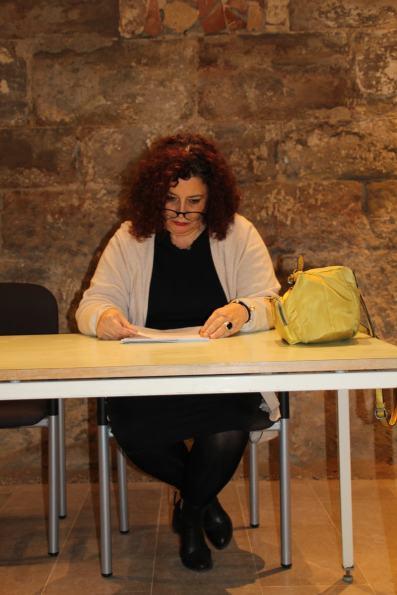 Una de las ponentes de la conferencia «El consultorio de Elena Francis en la Litera» en Albelda (foto Ira Sales / La Litera información)
