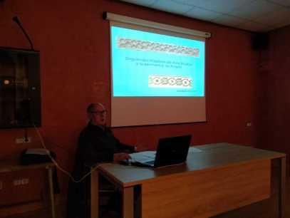 José María Nasarre hablando sobre «Singularidad hispánica del arte mudéjar y su pervivencia histórica en Aragón»
