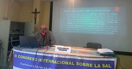 Un momento de la ponencia «Patrimonio de la sal en el Parque geológico y minero de la Litera y la Ribagorza» (foto Imma Gracia / La Litera información)