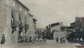 Alcampell, hacia 1928, calle del Norte, hoy plaza Doste (postal Oriol, Barcelona)
