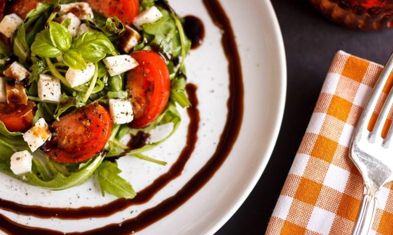 tomato-mozzarella-1589412_1280