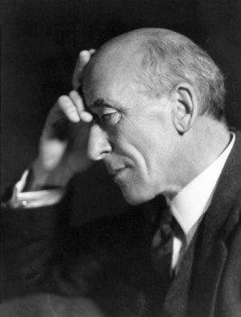 black and white photo of author Algernon Blackwood