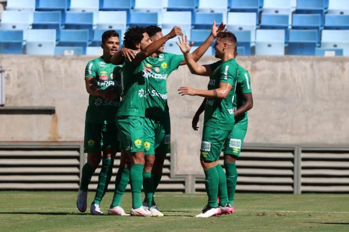 Cuiabá vence Ação por 2 a 0 e sai na frente por vaga na final