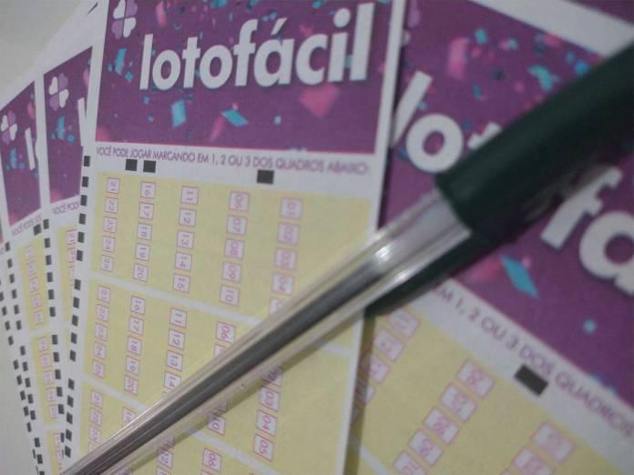 O resultado da Lotofácil Concurso 2251 foi divulgado na noite de hoje, quarta-feira, 9 de junho (09/06). O prêmio da loteria está estimado em R$ 1,5 milhão
