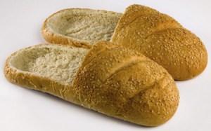 Zapatos comestibles hechos de pan Praspaliauskas 1