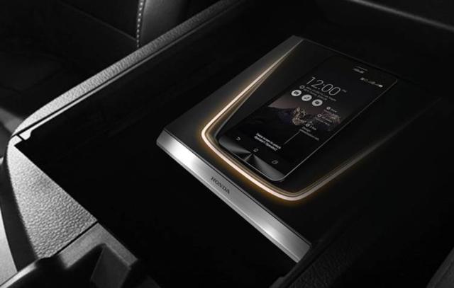 車用無線充電板   USB車用充電插座   汽車內裝配件   車身系統   汽車零配件     產品列表   中經社 CENS.com