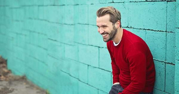 Sonreír puede ayudarte a desaparecer el estrés