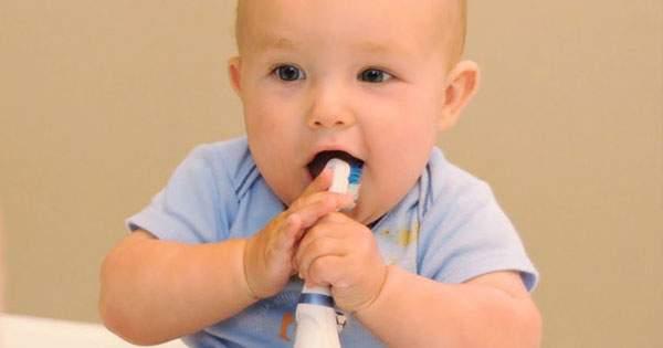 Todo lo que debes saber sobre la higiene bucal en bebés