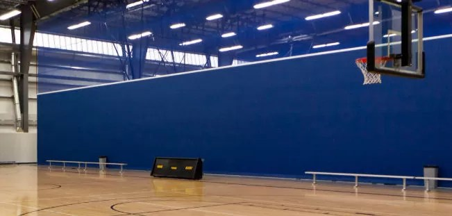 gym divider curtain contractor
