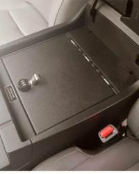 toyota_tundra_2014-2017_cv1052_full-floor-console