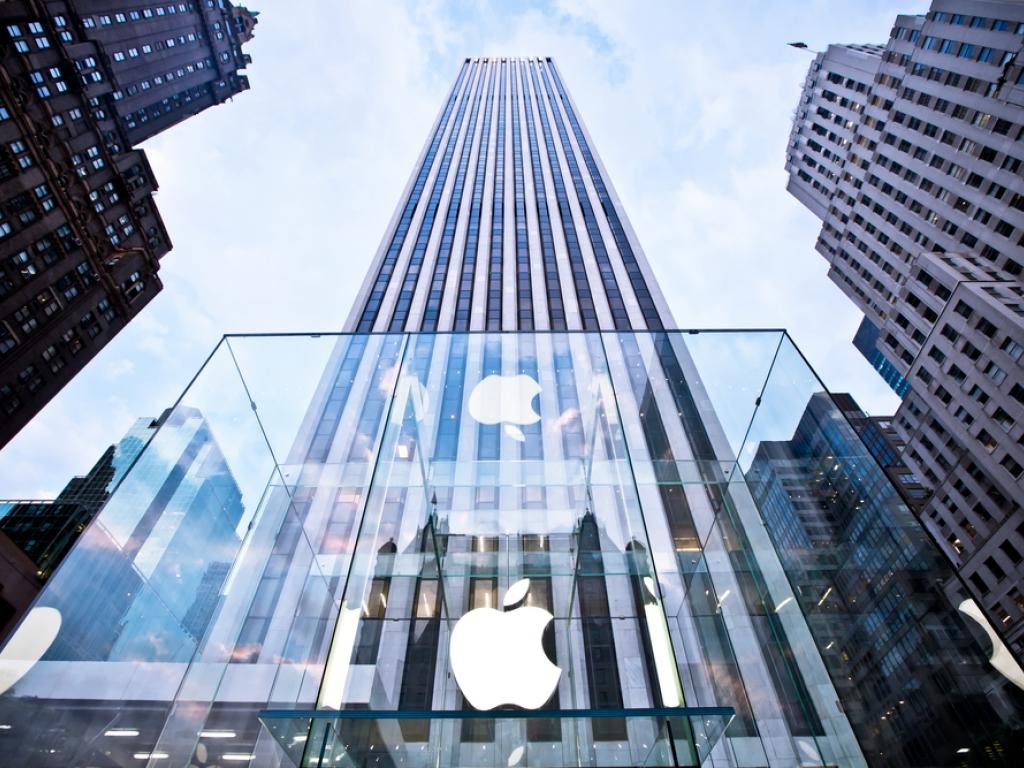 Apple remove aplicativos das rádios de nossa conta na App Store