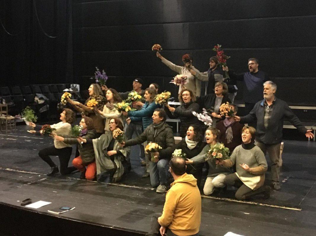 La Bella Helena, Un Espectacle Divertit, Fresc I Cent Per Cent Local De La Mà Del Cor De Cambra Ars Antiqua