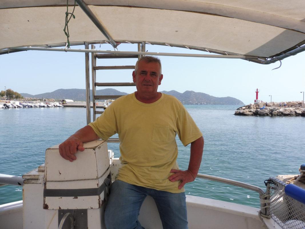"""""""Viure Del Peix és Difícil Però A Mi M'agrada La Mar I M'agrada Pescar, Venc Sempre Que Puc"""""""