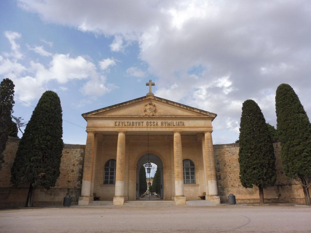 L'Ajuntament Explica Més Detalls Sobre La Troballa De Més De 200 Cossos Sense Enterrar Al Cemintiri Municipal