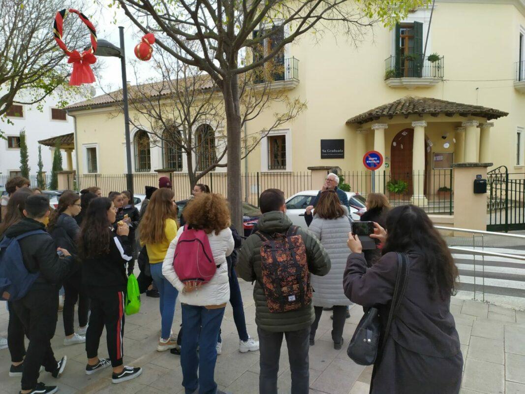 Estudiants Mallorquins Comparteixen Ruta De La Memòria A Manacor Amb D'altres De Venguts De Catalunya I Itàlia