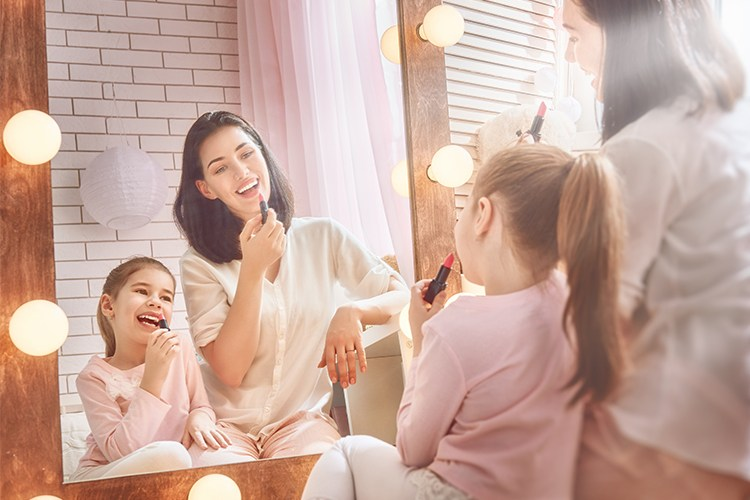 beauty gifts for mom