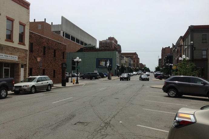 Downtown Bloomington_-1077122632373744823