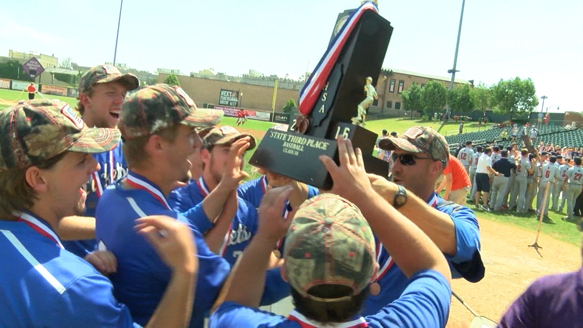 Limestone Baseball lifts 3rd place trophy