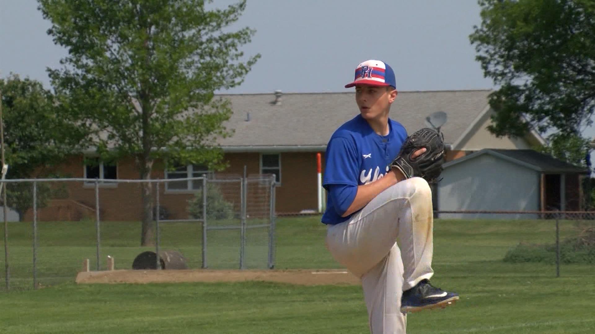 Blake Begner pitching (Peo Hts)_1495168041009.jpg