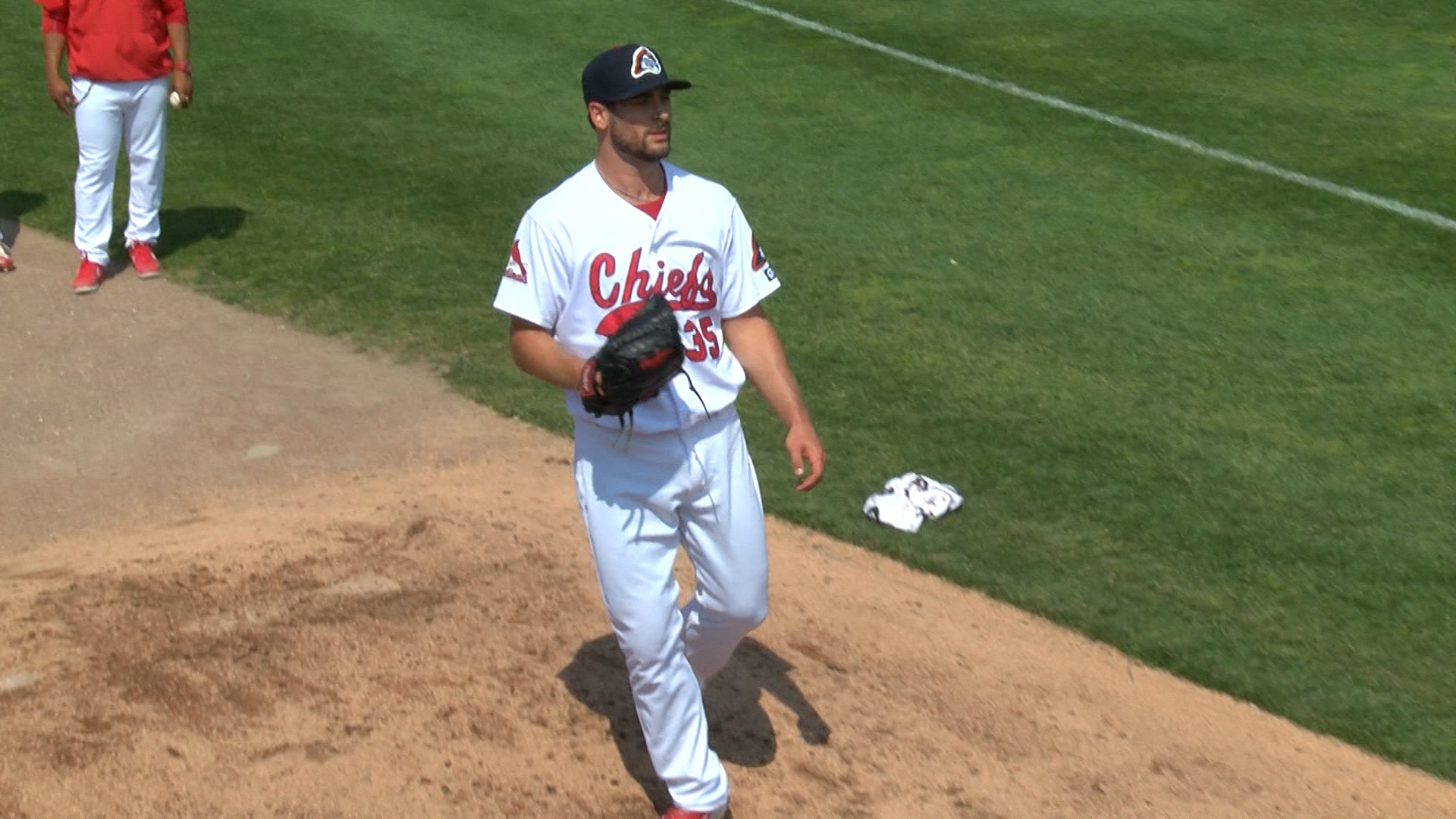 Tyler Lyons with Chiefs_1494460556950.jpg