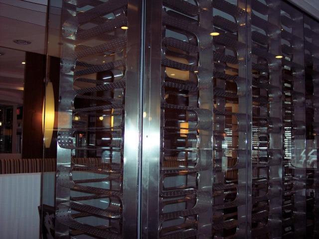 Custom Stainless Steel Wine Rack3