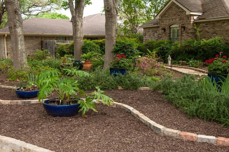 Front yard makeover no grass: Doris Reagan | Central Texas ... on No Grass Garden Ideas  id=41173