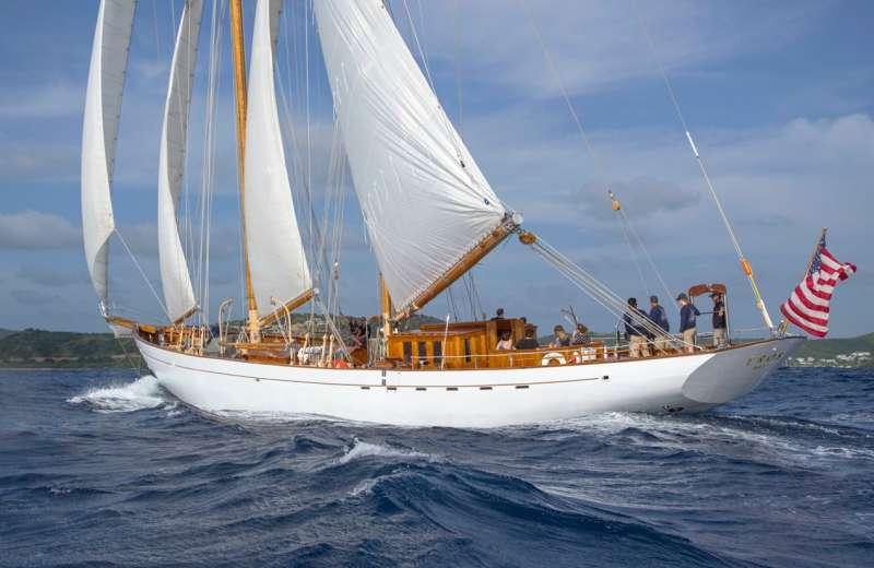 EROS yacht main image