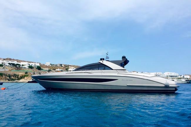 W yacht main image