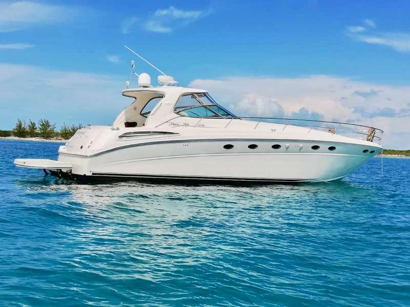 Victoria yacht main image