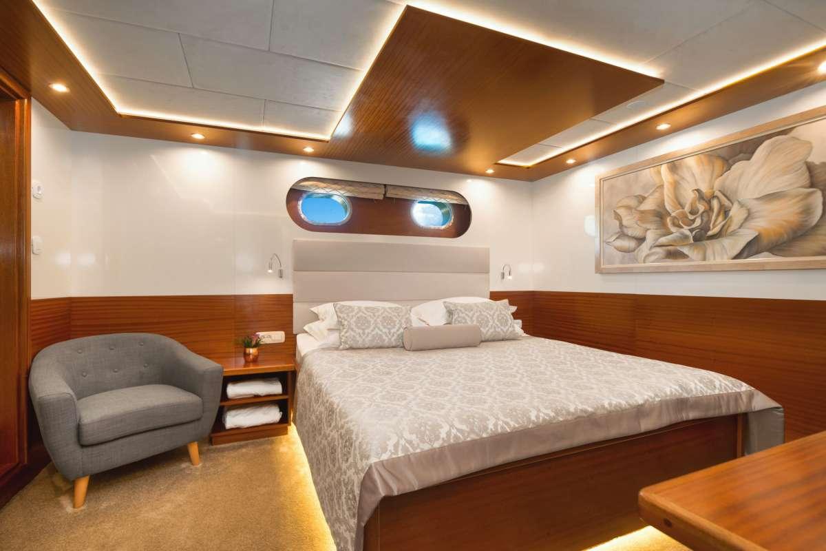 Image of SON DE MAR yacht #4