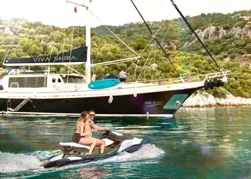 Viva Shira yacht main image
