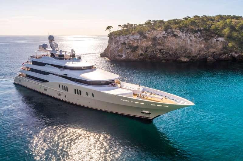 Main image of EMINENCE yacht