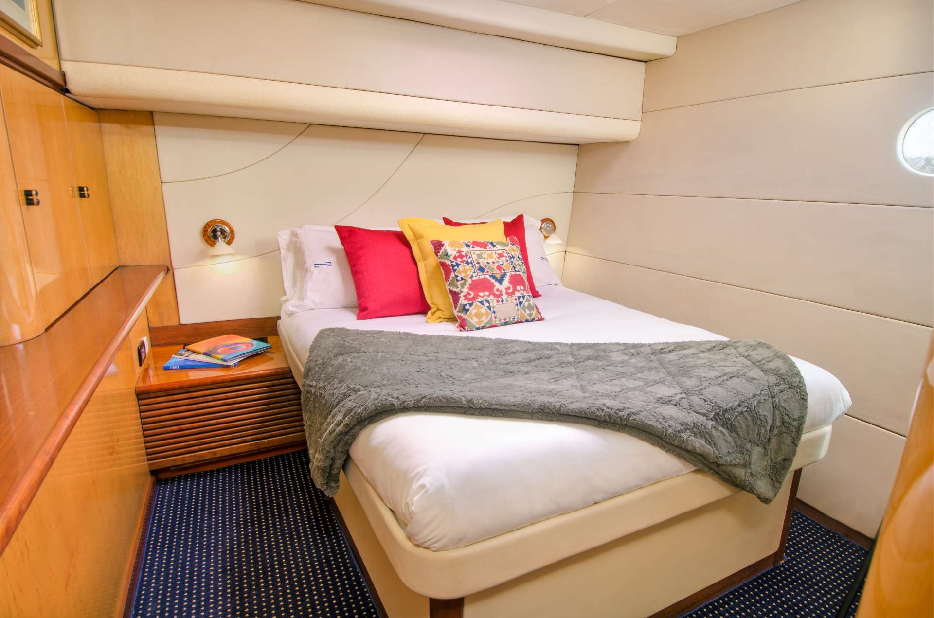 ZINGARA yacht image # 9