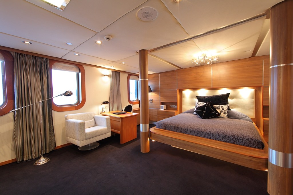 SHERAKHAN yacht image # 14