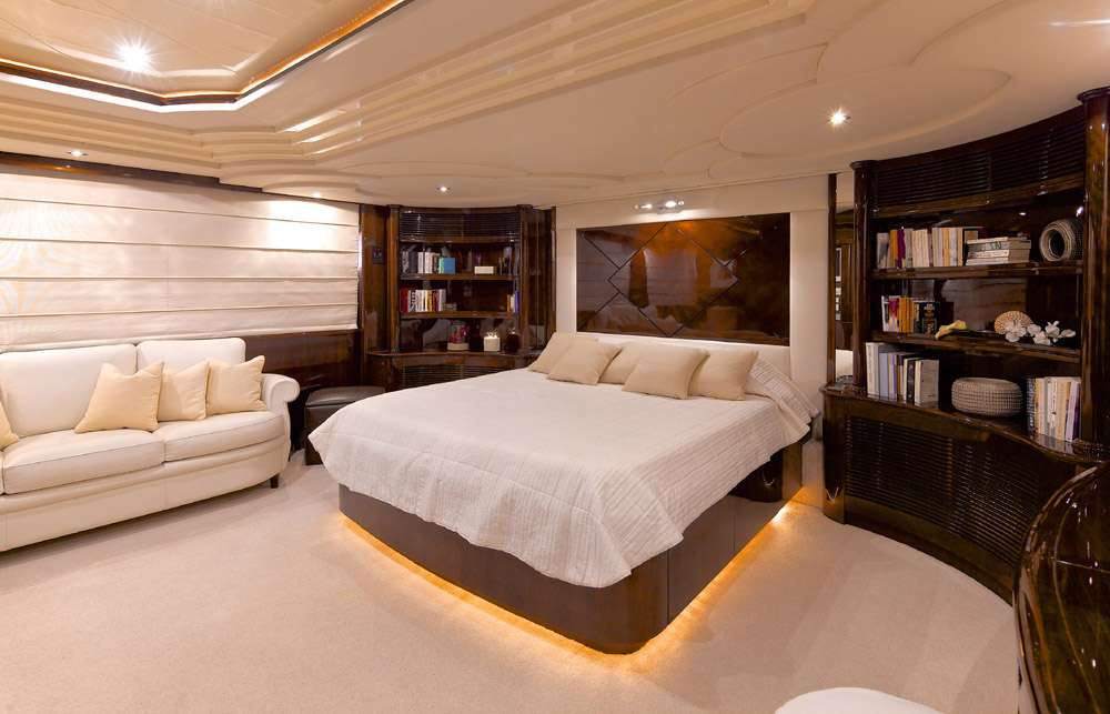 Image of LET IT BE yacht #13