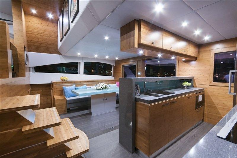 Image of SKYLARK yacht #10