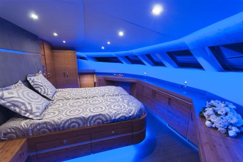 Image of SKYLARK yacht #12