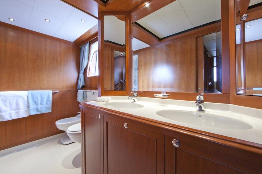 Image of CORNELIA yacht #7