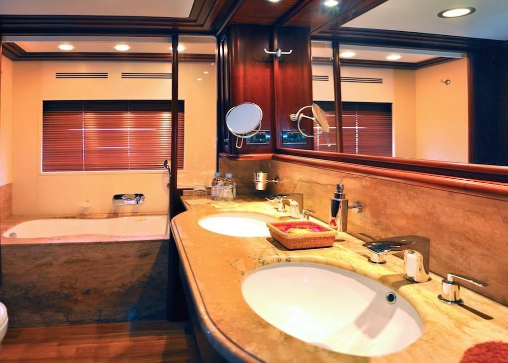 Image of CONQUISTADOR yacht #8