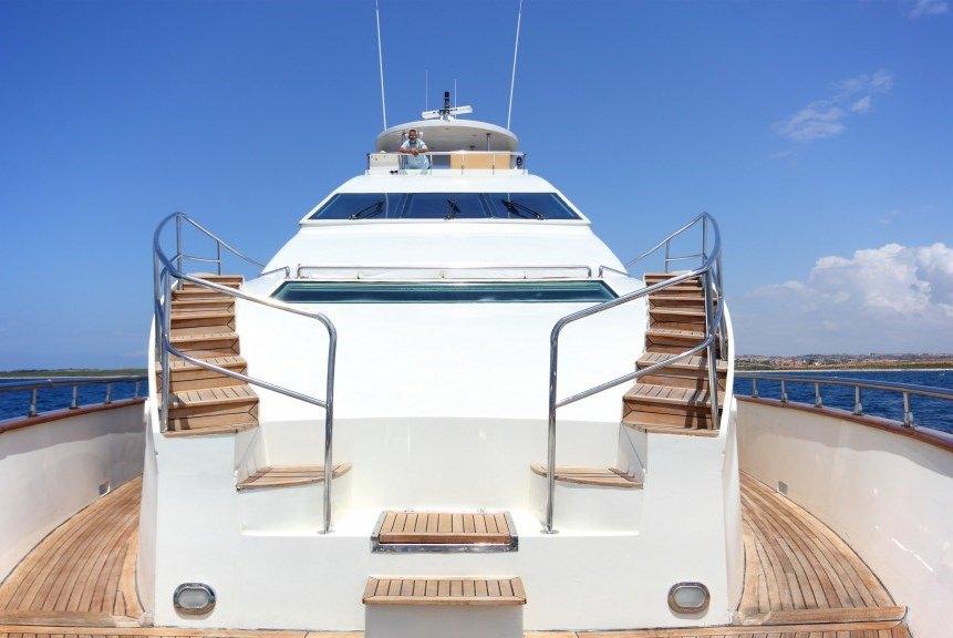 DREAM YACHT yacht image # 17