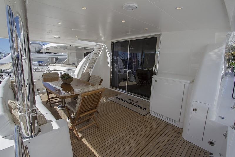 IRRESISTIBLE yacht image # 11