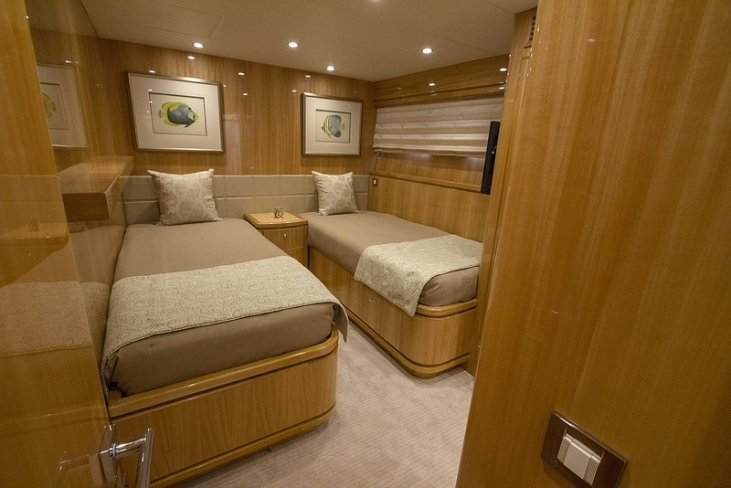 IRRESISTIBLE yacht image # 13
