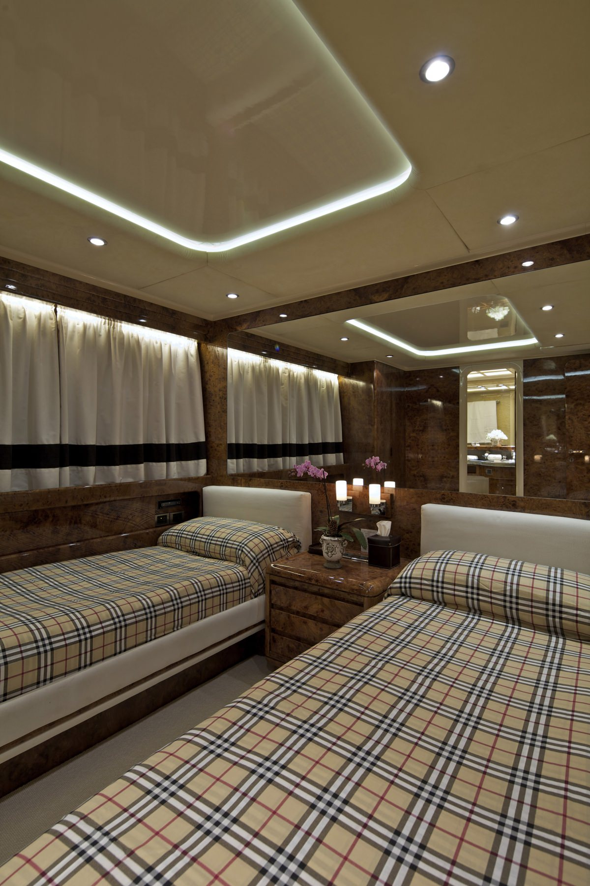 Image of OBSESION 120 yacht #8