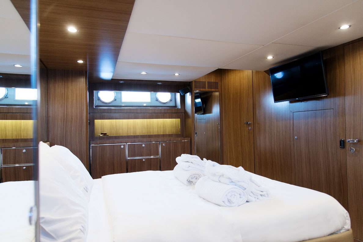 W yacht image # 10