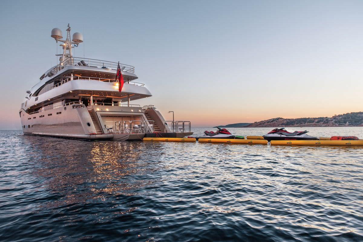 Image of LIGHT HOLIC yacht #14