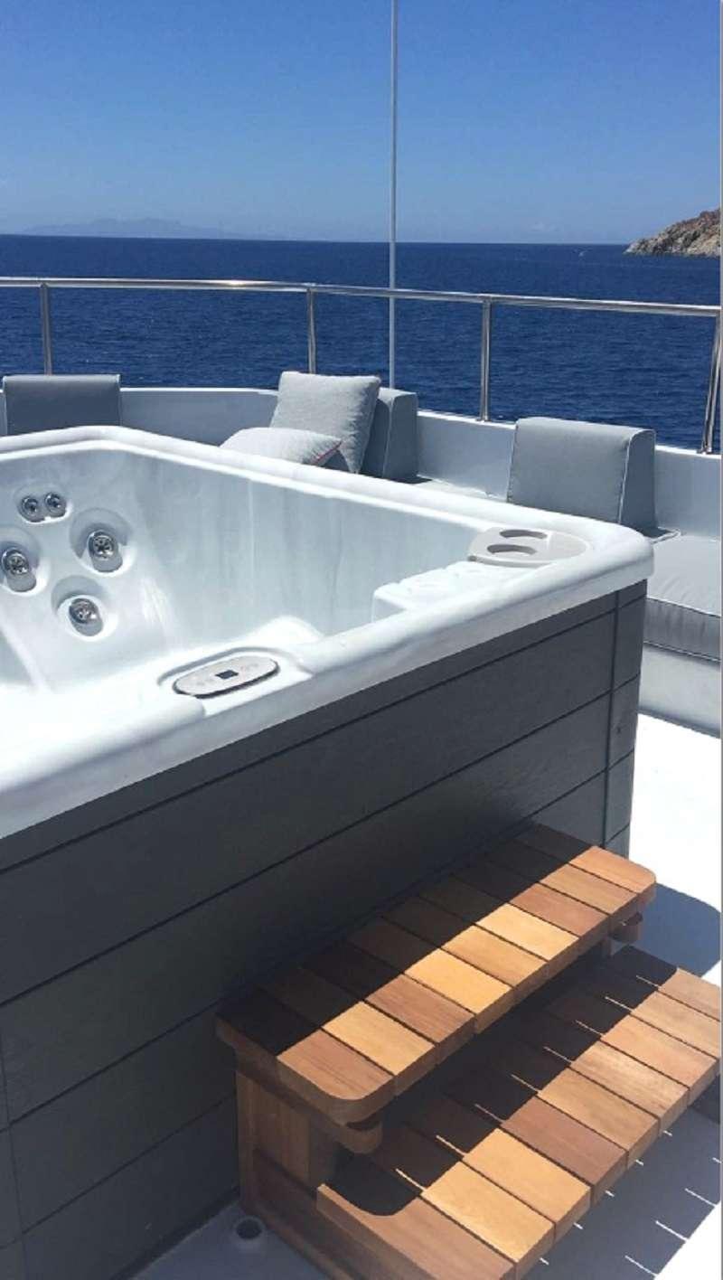 BELLA STELLA yacht image # 2